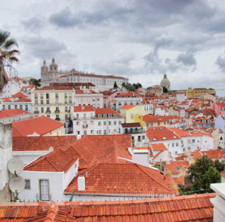 Lisbon Sightseeing – Rooftops and ocean views