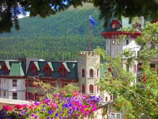 Badrutts-Palace-aus-Entfernung