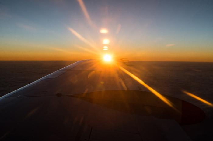 laura-drosse-westaustralien-sonnenaufgang-flugzeug