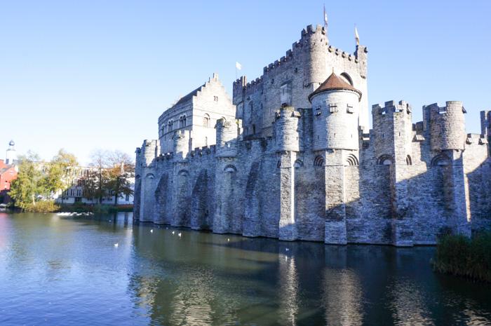 Belgien mit Wohnmobil-Burg