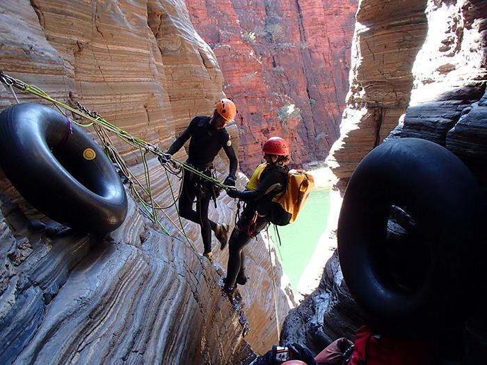 karijini-canyoning-abseilen