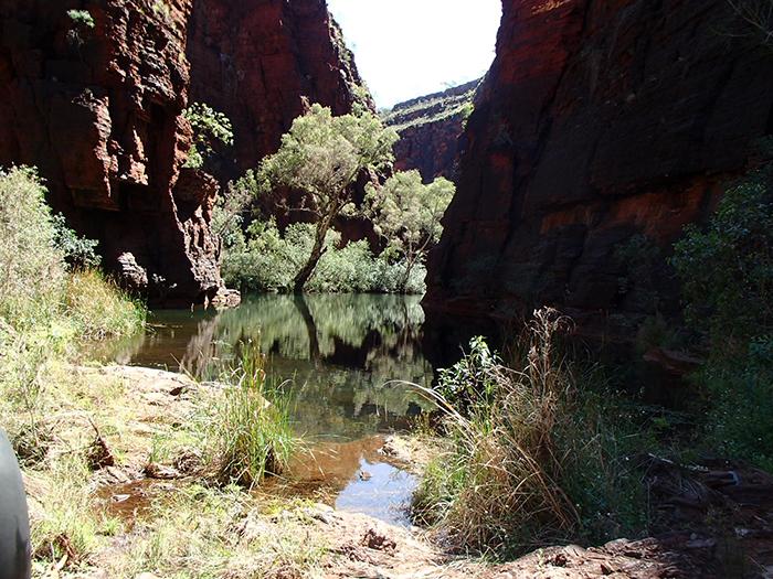karijini-canyoning-gorges