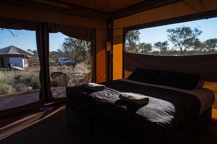 laura-drosse-karijini-eco-retreat-deluxe-tent