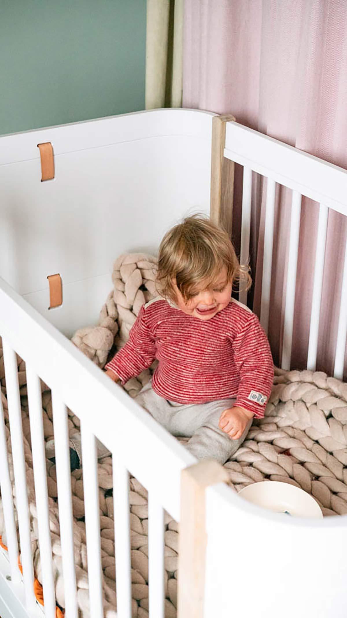 Kinderbett minimalistisch Oliver Furniture