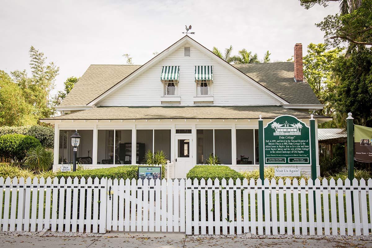Aeltestes Haus in Naples Florida