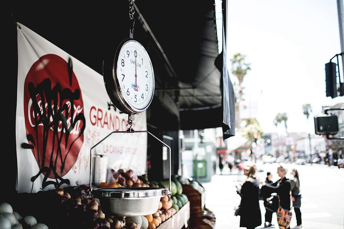 Gemuesemarkt an der Straße