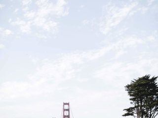 Golden Gate Bridge bei blauen Himmel