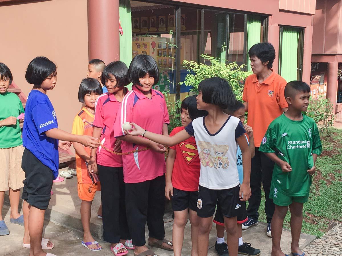 Schulkinder Yaowawitt