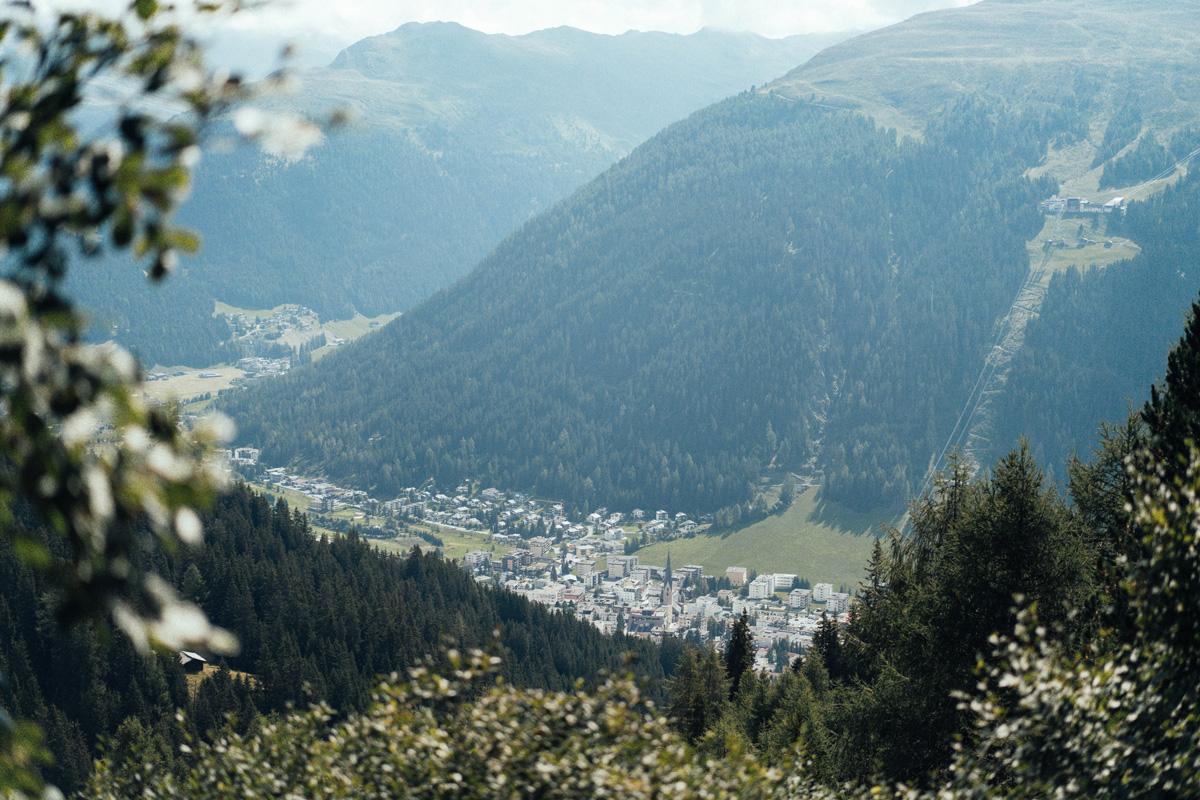 Aussicht ins Tal Davos
