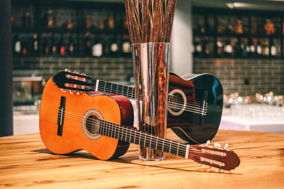 Gitarren im Hard Rock Hotel Davos