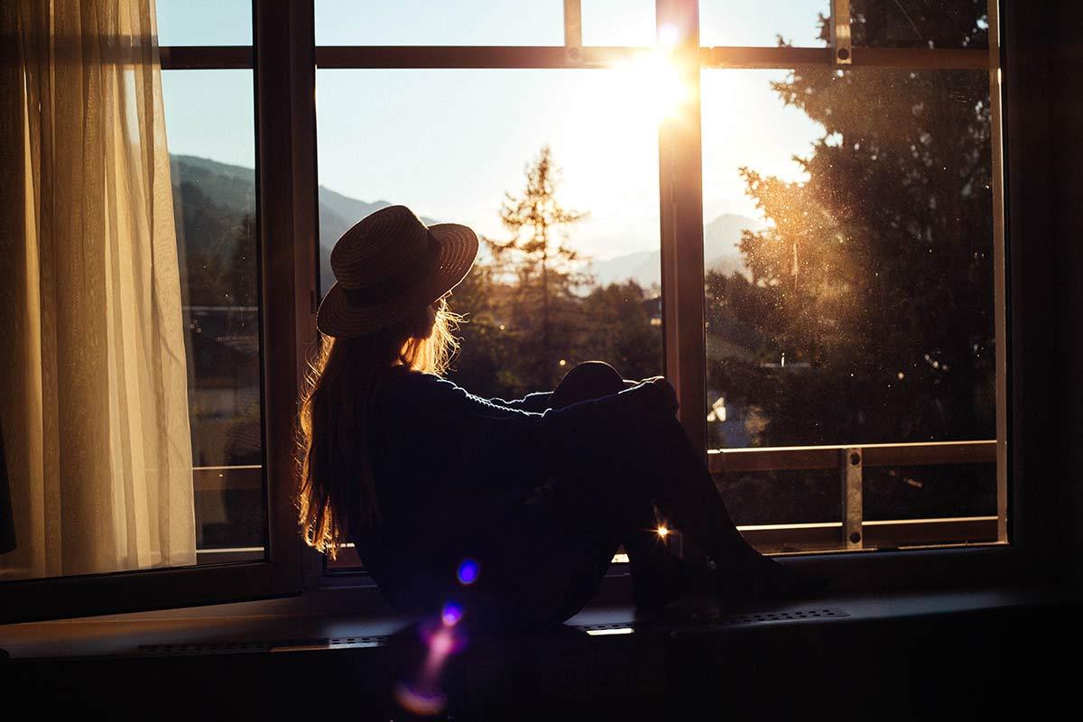 Christine Neder im Sonnenuntergang
