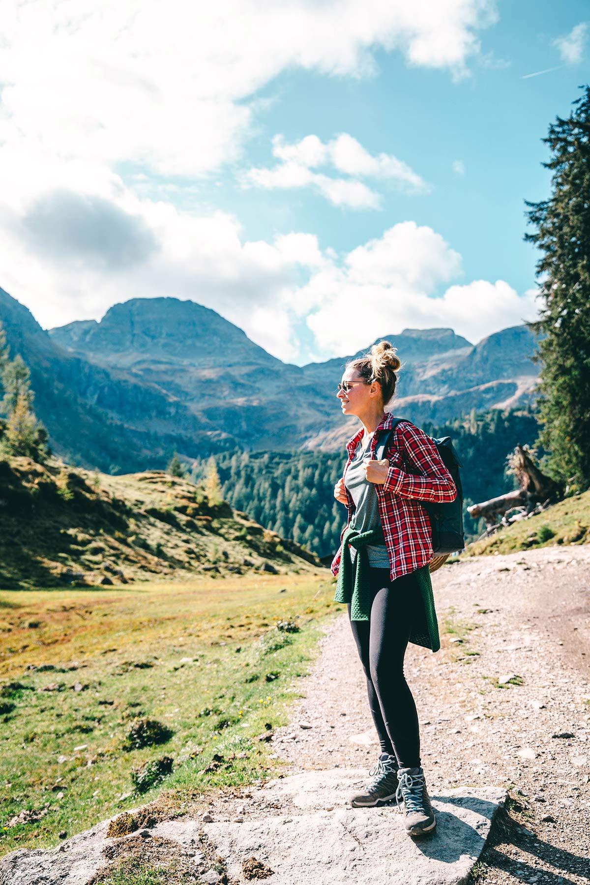 christine Neder beim Wandern in Schladming