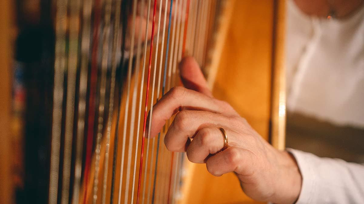 Harfe Begleitung beim Jodeln