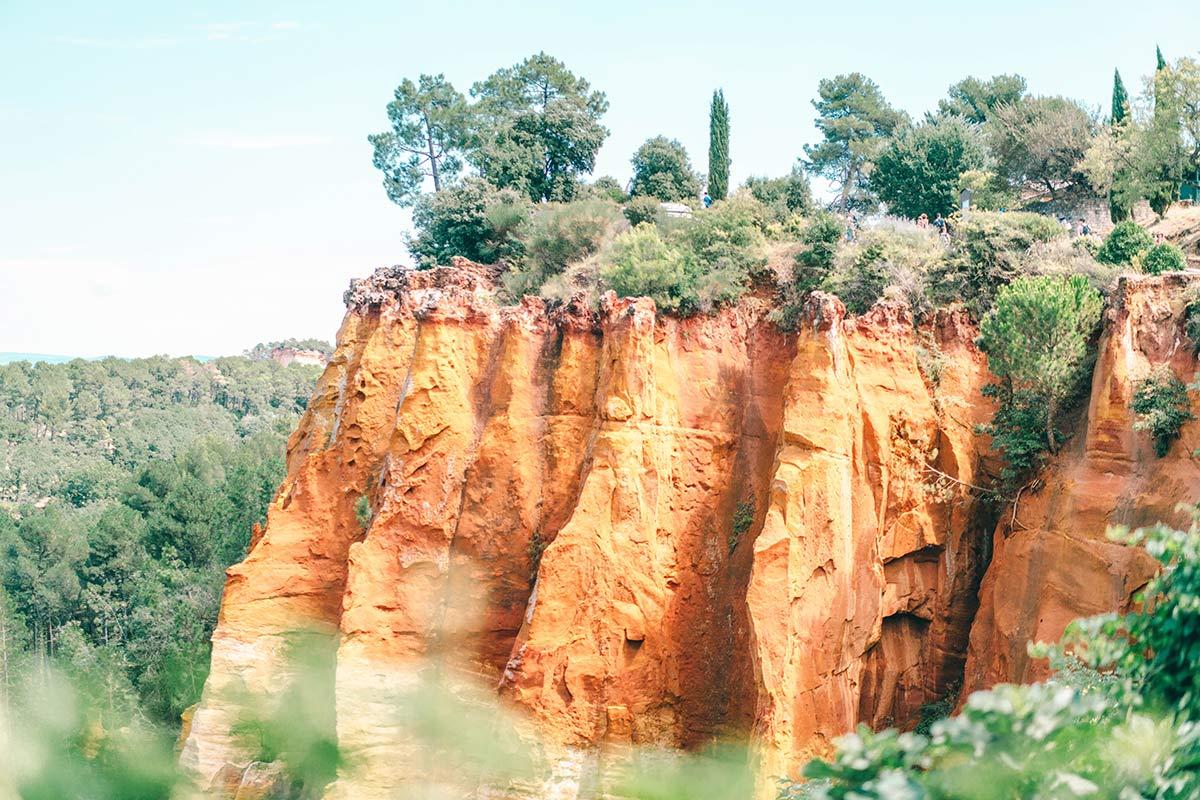 Roussillon rote Felsen