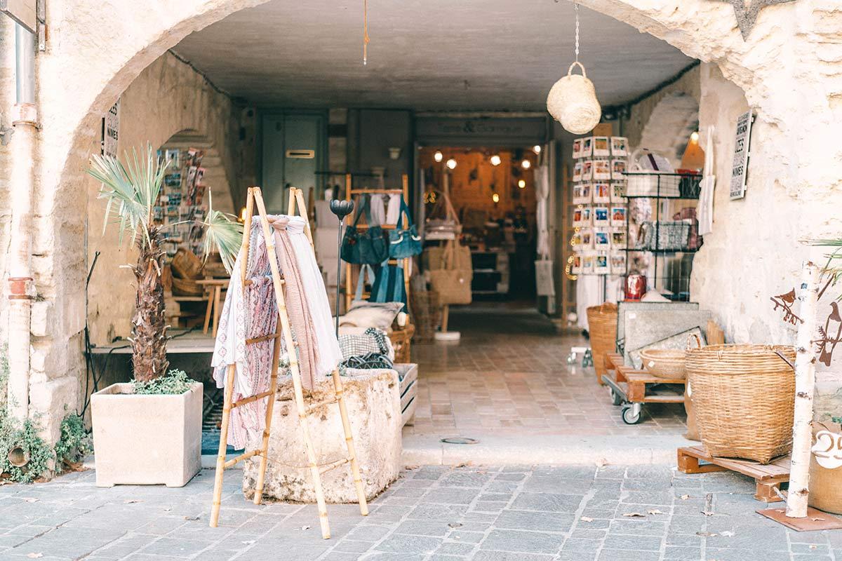 Uzes Shops