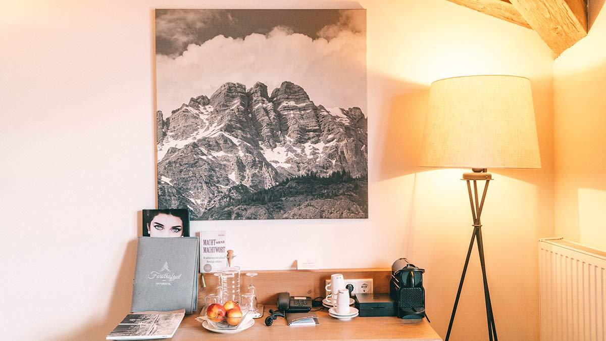 Hotel Forsthofgut Zimmer Schreibtisch