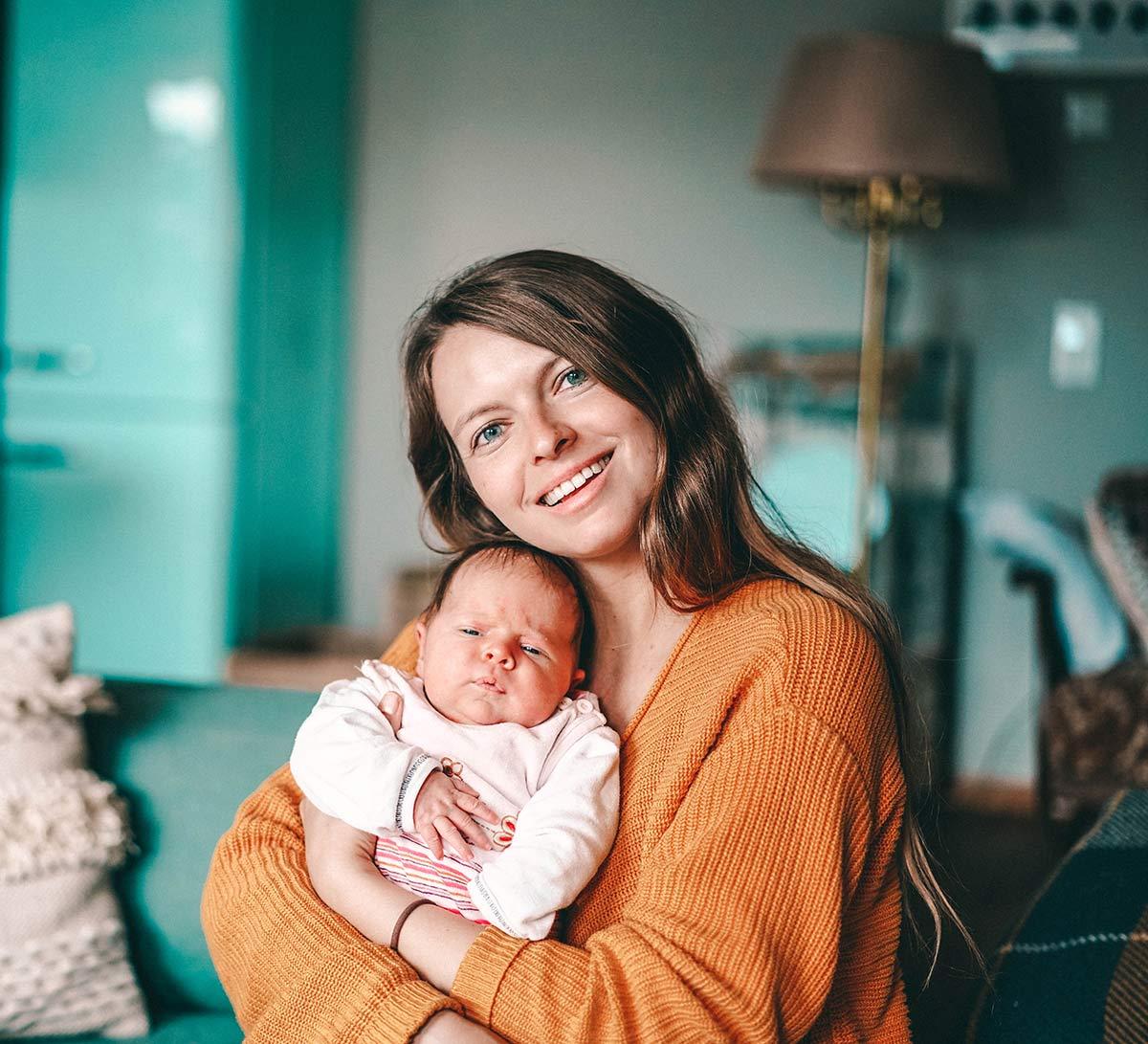 Christine Neder mit Baby