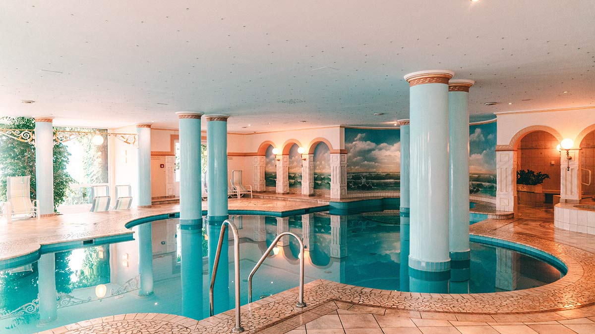 Schwimmbad Grand Hotel Zell amSee