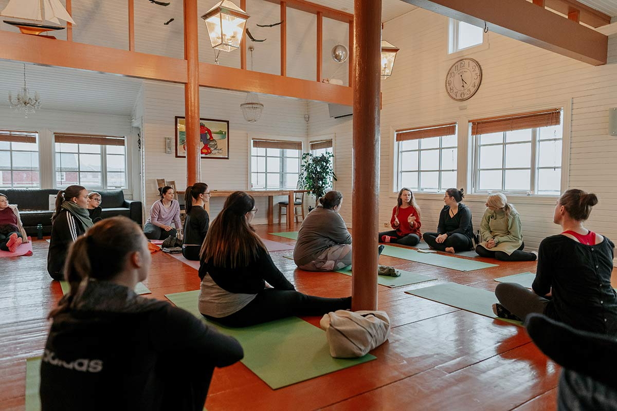 Yoga Retreat Lofoten im Winter