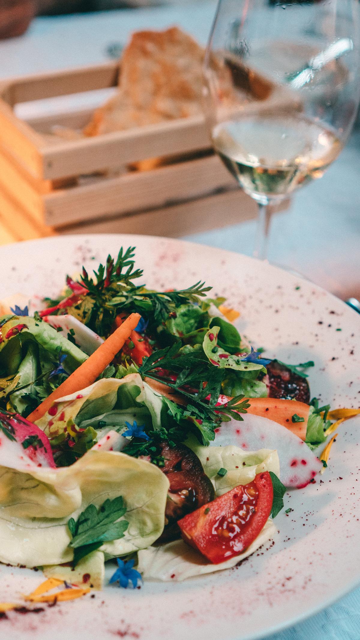 Suedtirol Sehenswuerdigkeiten 0 km Gerichte Salat