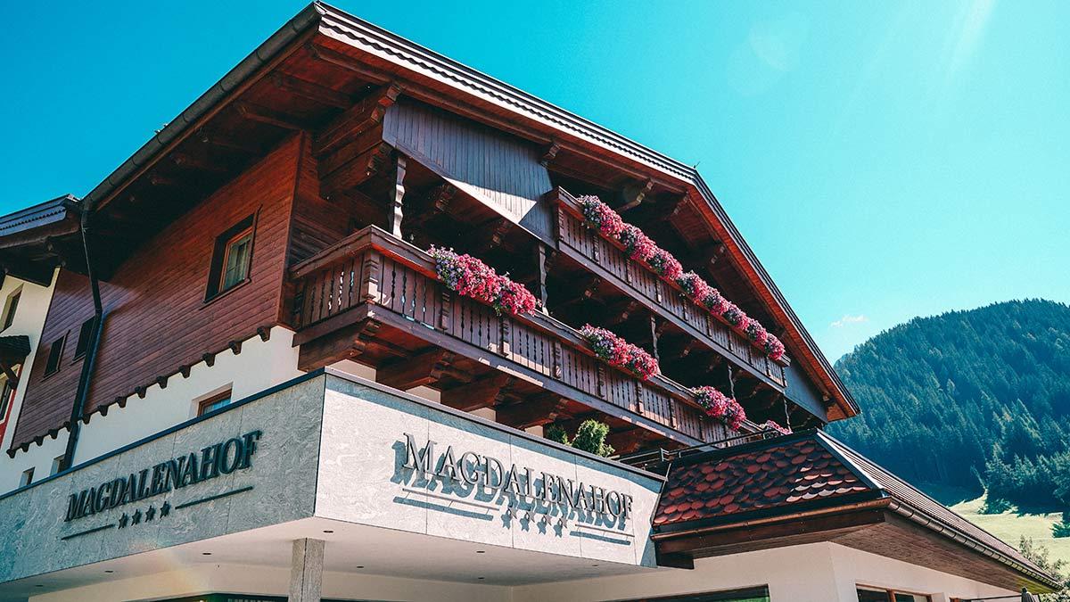 Die schoensten Hotels in Suedtirol Magdalenahof aussen
