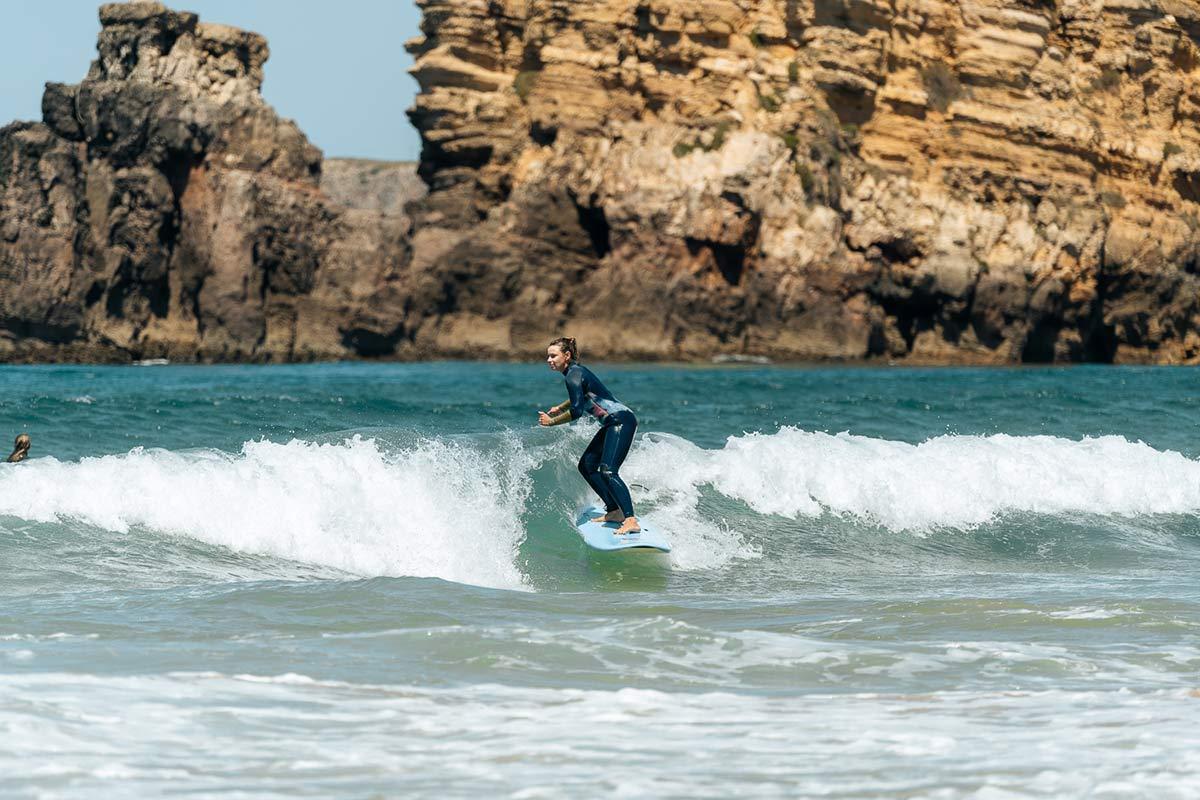Christine Neder Surfen in Portugal