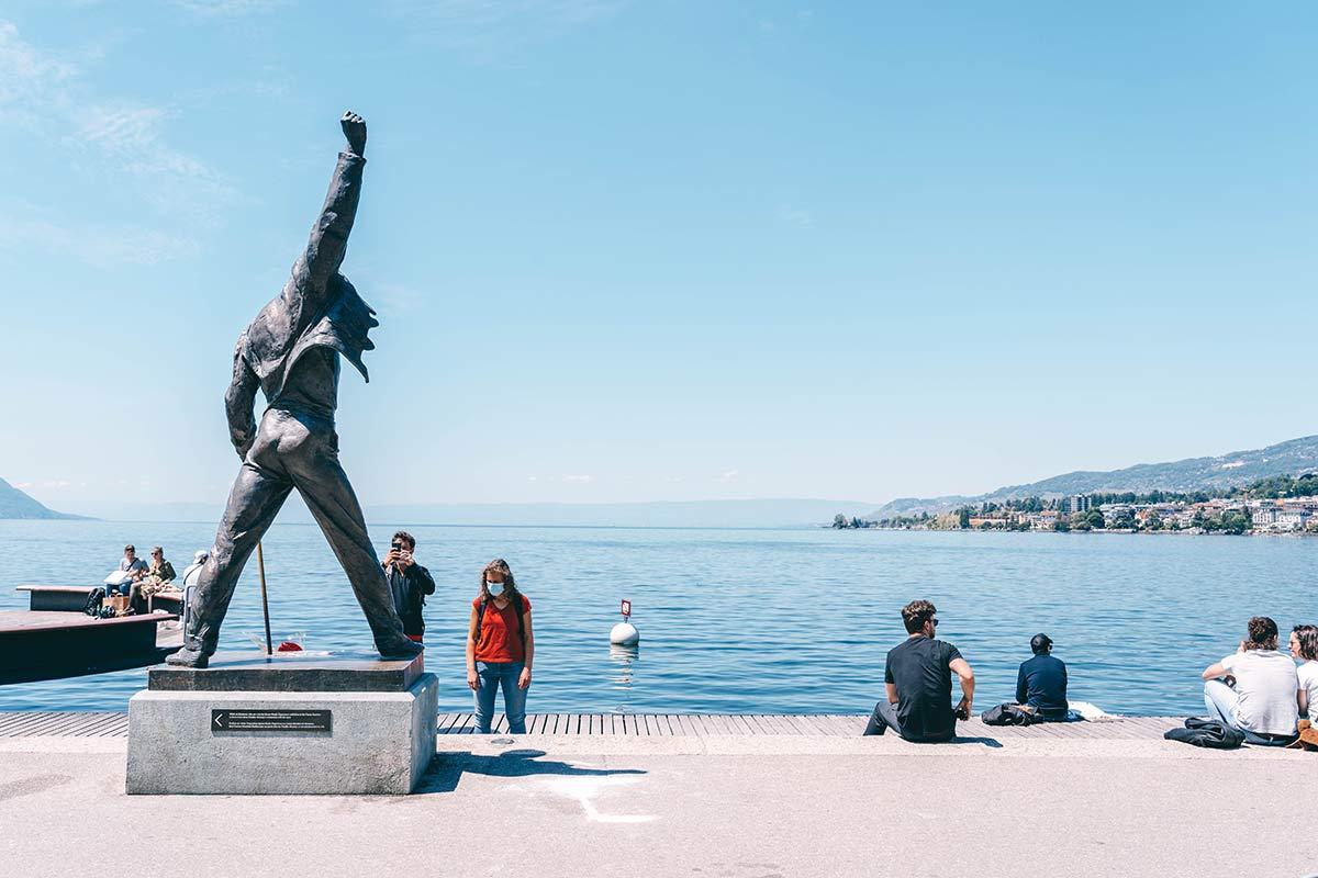 Freddie Mercury Statue am Genfer See in Montreux Schweiz