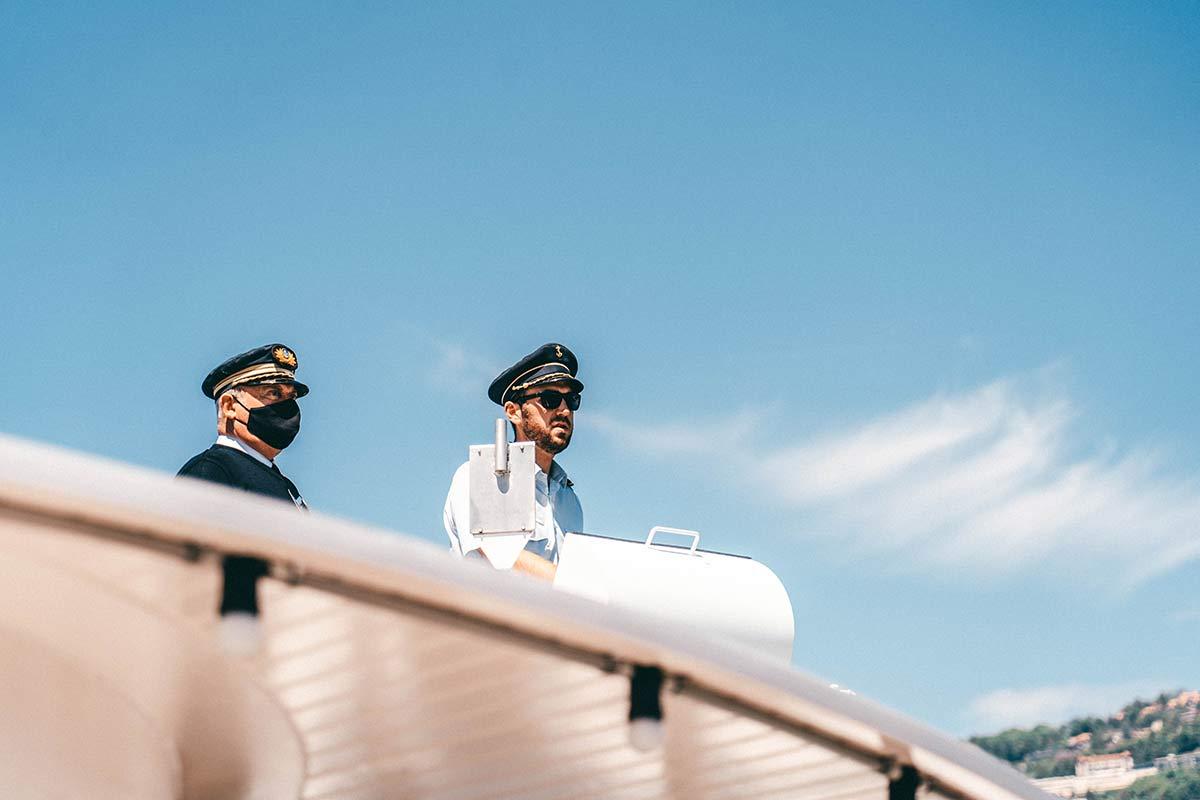 Kapitaen der Suisse auf dem Genfer See