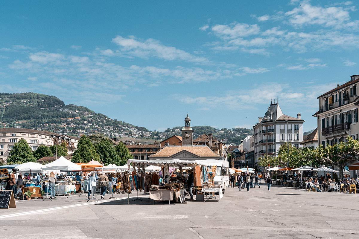 Marktplatz in Vevey am Genfersee