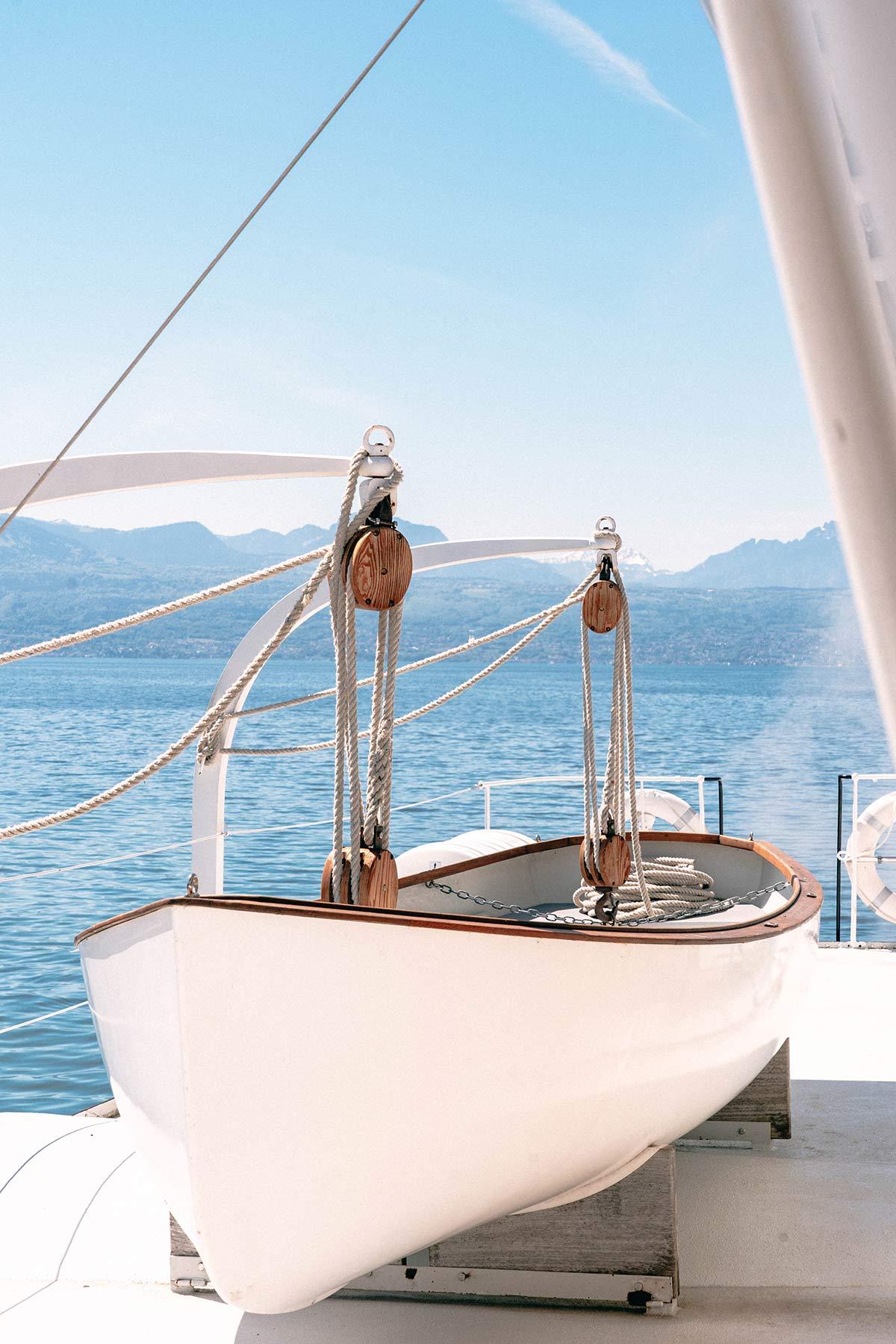 Rettungsschiff an Board der La Suisse in Lausanne