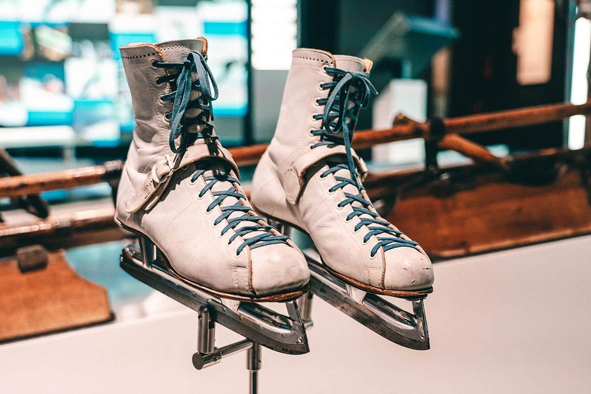 Schlittschuhe im Olympischen Museum Lausanne